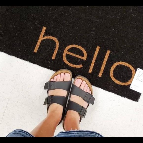 Birkenstock Black Leather Arizona sandals size 8